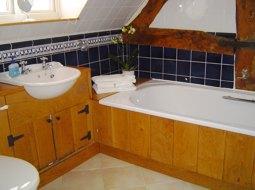 accommodation-bathroom