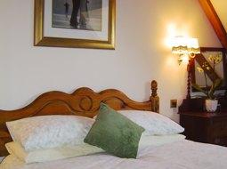 accommodation-bedroom