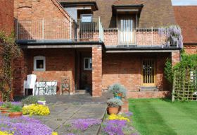 accommodation-flowers